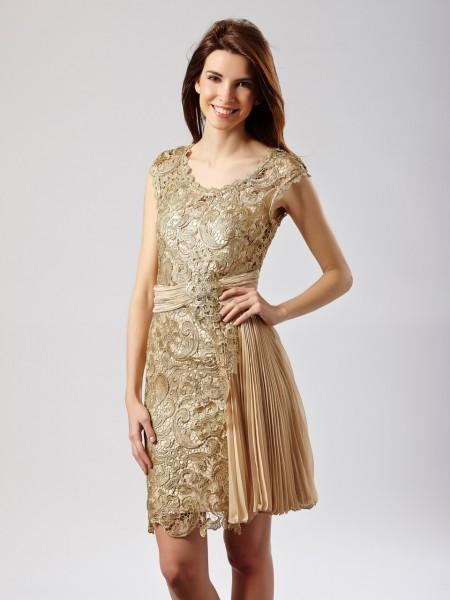 Vestido corto encaje dorado